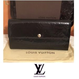 Louis Vuitton Sarah Wallet In Vernis Black Leather